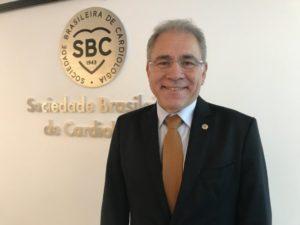 """""""Medo da Covid-19 pode atrasar busca de socorro cardíaco"""", diz presidente da Sociedade Brasileira de Cardiologia"""
